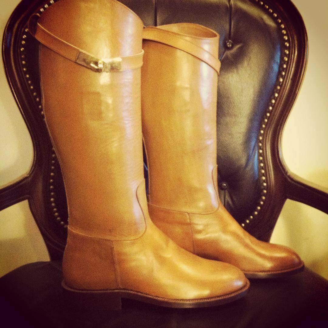 #barismil #saltoro #picoftheday #etsy #etsyseller #instagood #instadaily #classy #leather #luxury #women #boots #winterwear #fashion #handmade #handcrafted #riding www.barismil.com