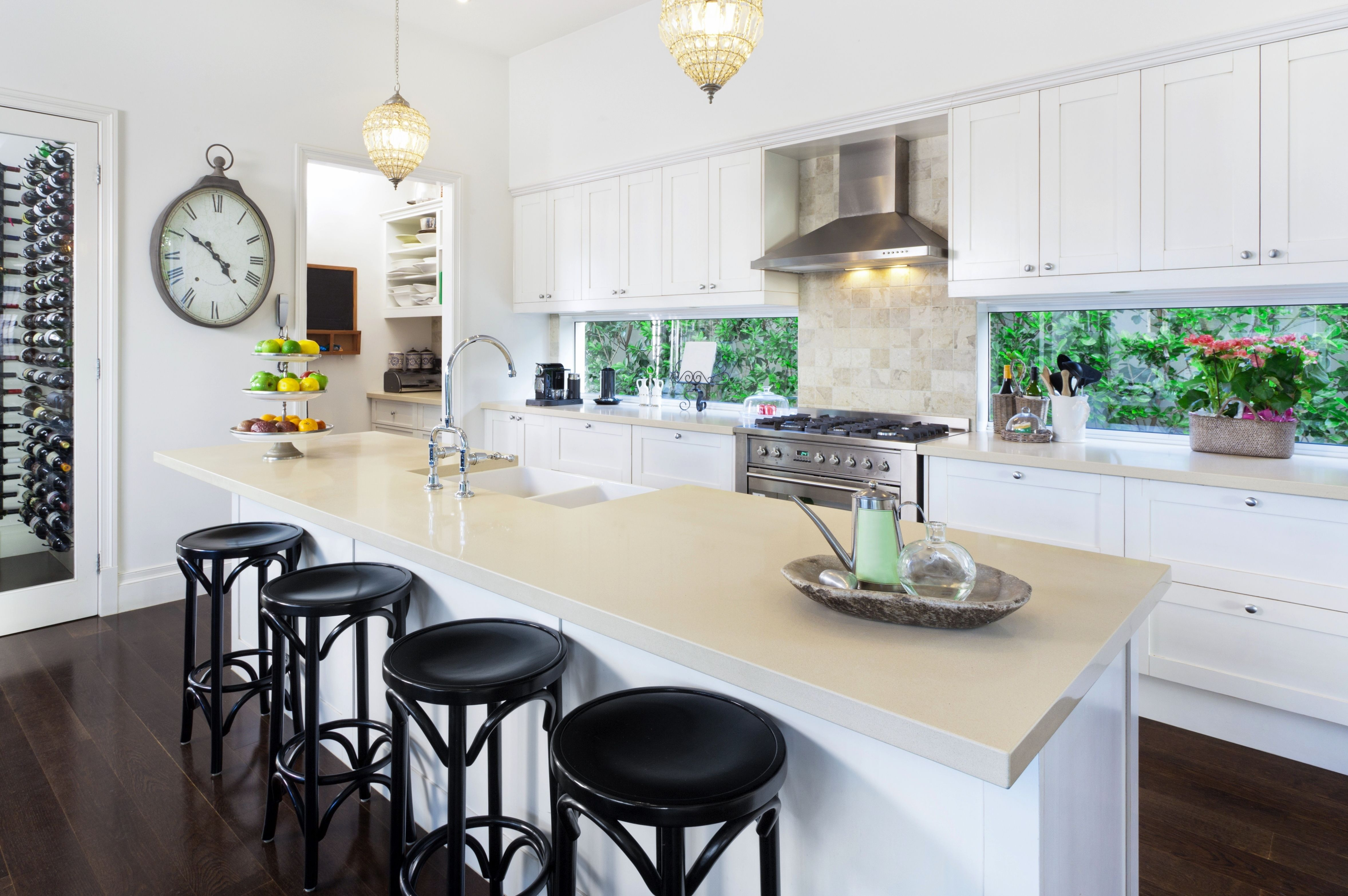 The Kellers Chose Lectus Cabinets Barcelona Color Painted Maple Nougat What A Great Design Luxury Kitchen Design Contemporary Kitchen Modern Kitchen Design