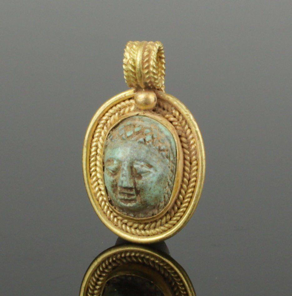 ANCIENT ROMAN GOLD CAMEO PENDANT CIRCA 2ND CENTURY AD Antique