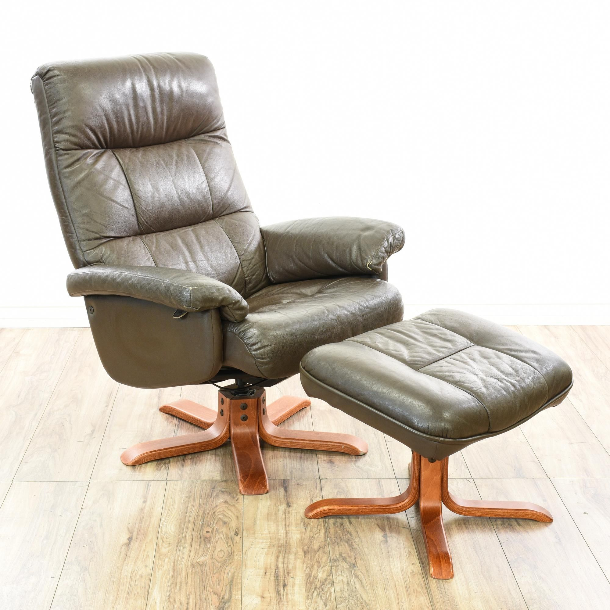 This Mobel Team Lounge Chair Set Is Upholstered In A Durable Grey Vinyl This Contemporary Style Accent Chair And Fo Chair And Ottoman Set Lounge Chair Chair