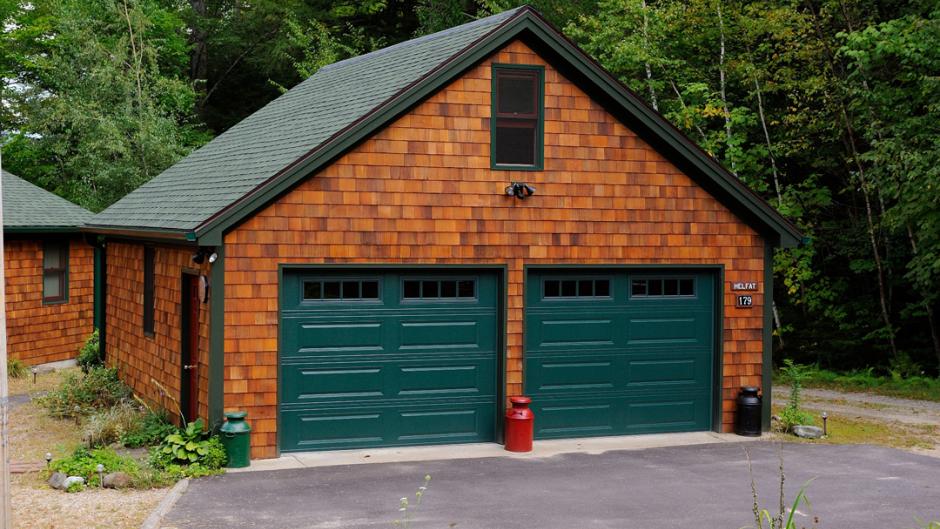 Garage Door Trends So Chic Life Garage Doors Overhead Door House Exterior