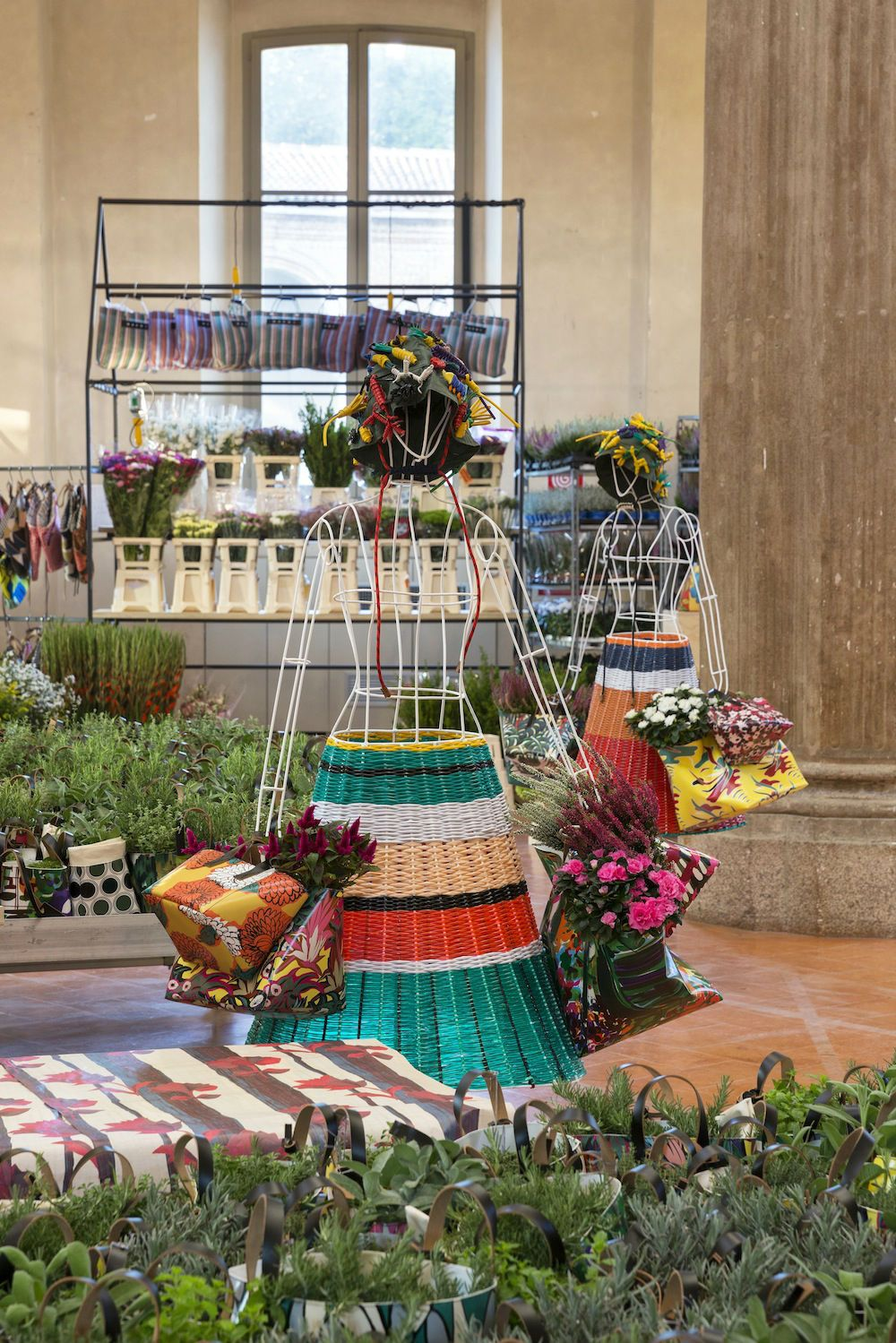 02  MARNI FLOWER MARKET Installation Milan Sept21