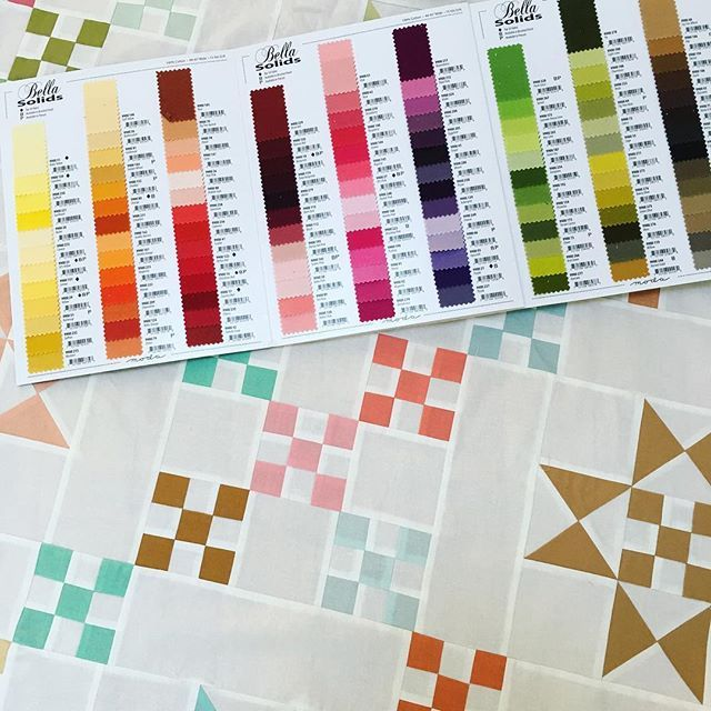 Throwback to the time Bella solid swatch colors came in a card booklet! . #throwbackthursday #tbt #showmethemoda #showmethebellas #bellasolids #color #quilt #quilts #quilting #patchwork #fun #aurifil @modafabrics