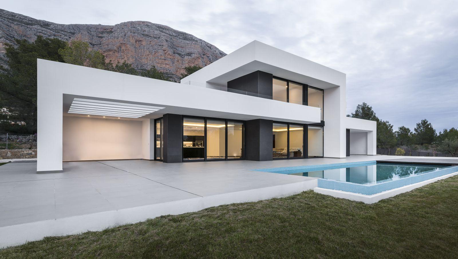 Design Villa A Javea Calle Penyaparda Be Spoiled Maison Architecte Moderne Constructeur Maison Contemporaine Maison Architecte