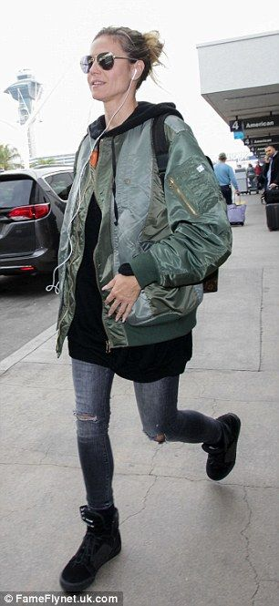Adding to her look: The AGT judge added a pair of distressed skinny jeans followed by black high-top sneakers