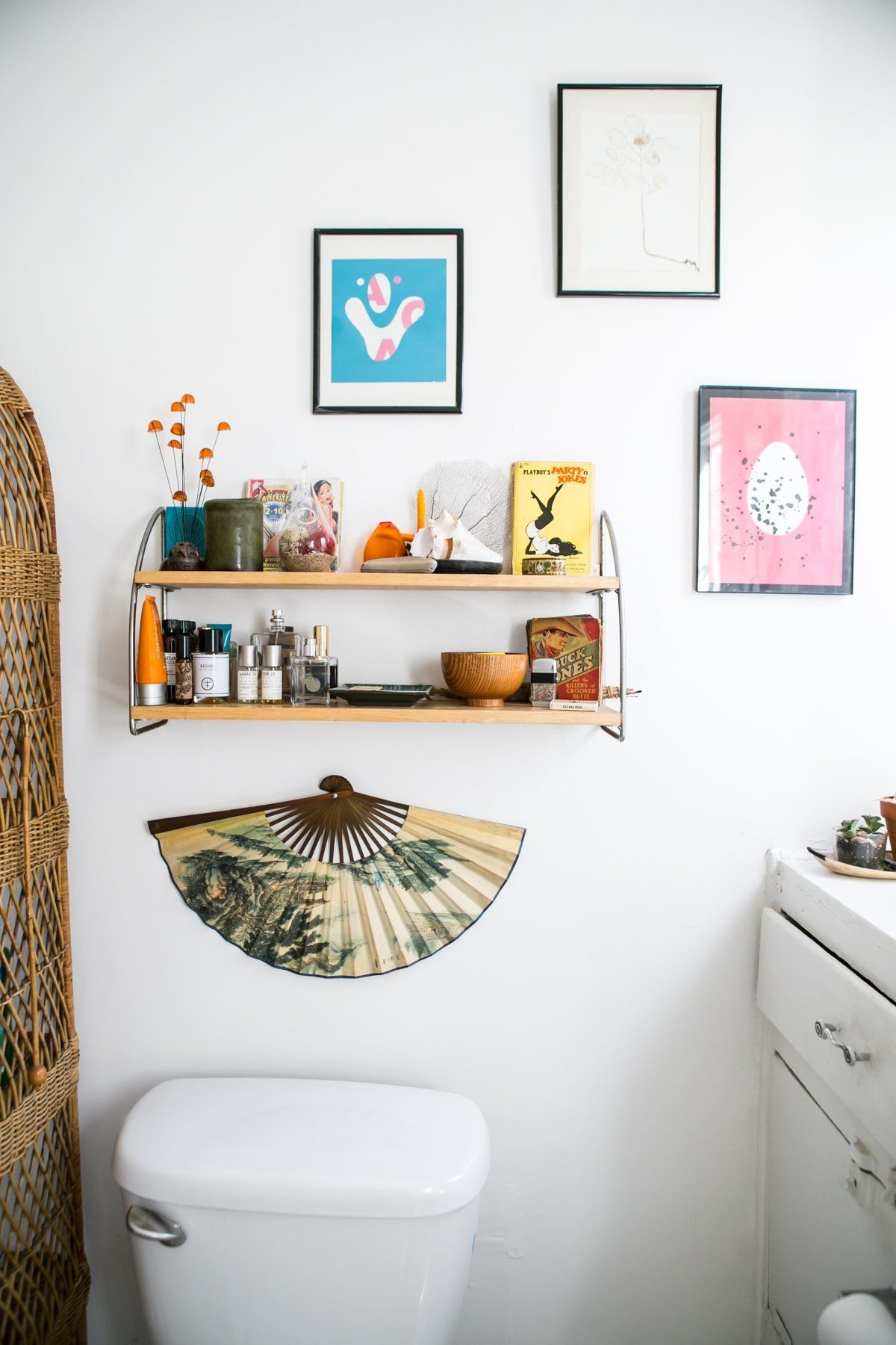 A Collector's Hollywood Bachelor Pad | Rental bathroom ...