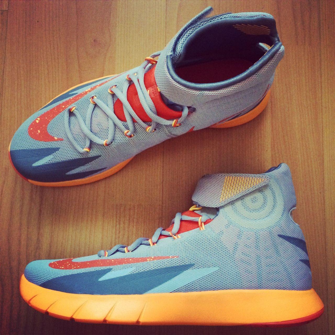 9b53a1b5f40 Nike HyperRev Hitting Retail in Black Volt (2)