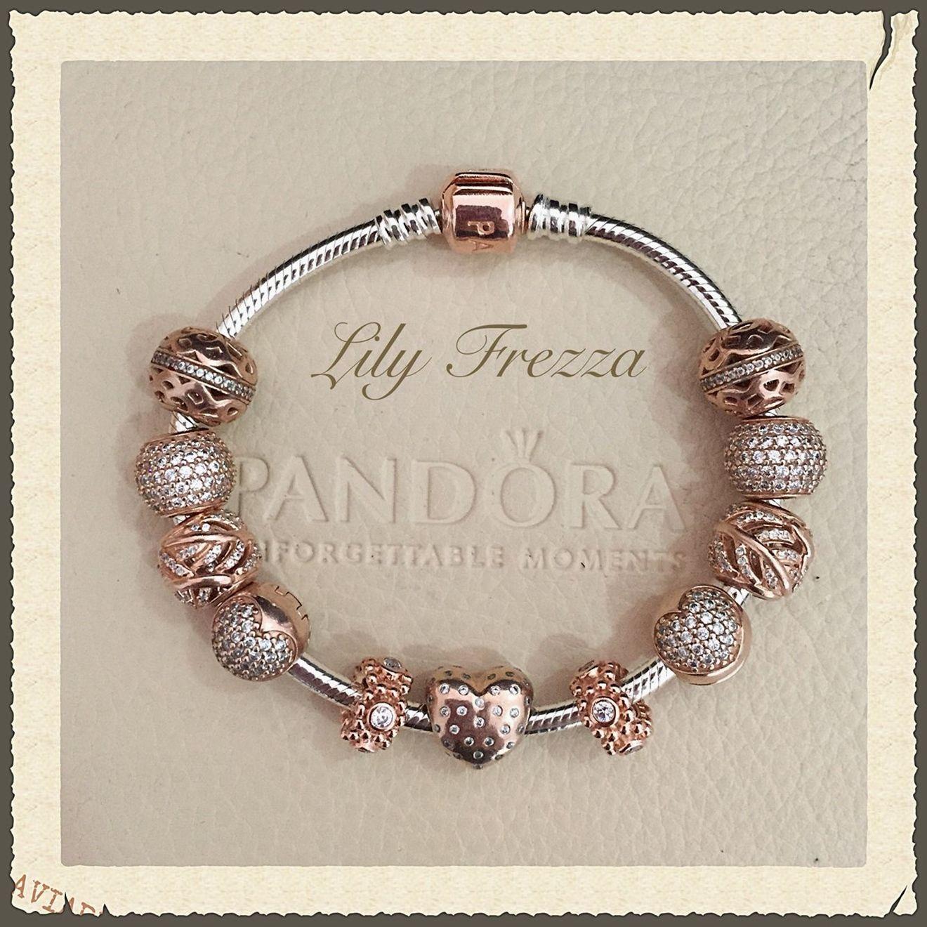bracciale pandora con charm rosa