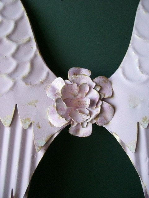 Angel Wings. Pink Angel Wings wall decor. Pink w/ giled edges ...