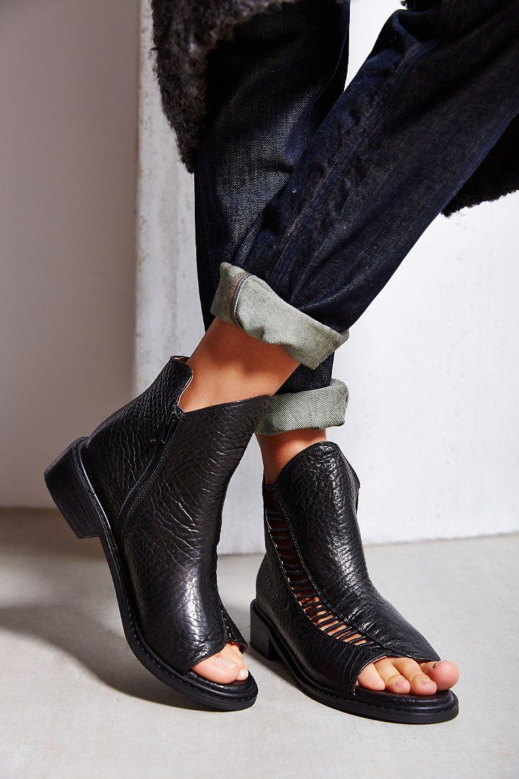 quality design 39e60 b4f29 Kobe Husk Alloy Peep-Toe Boot - Urban Outfitters