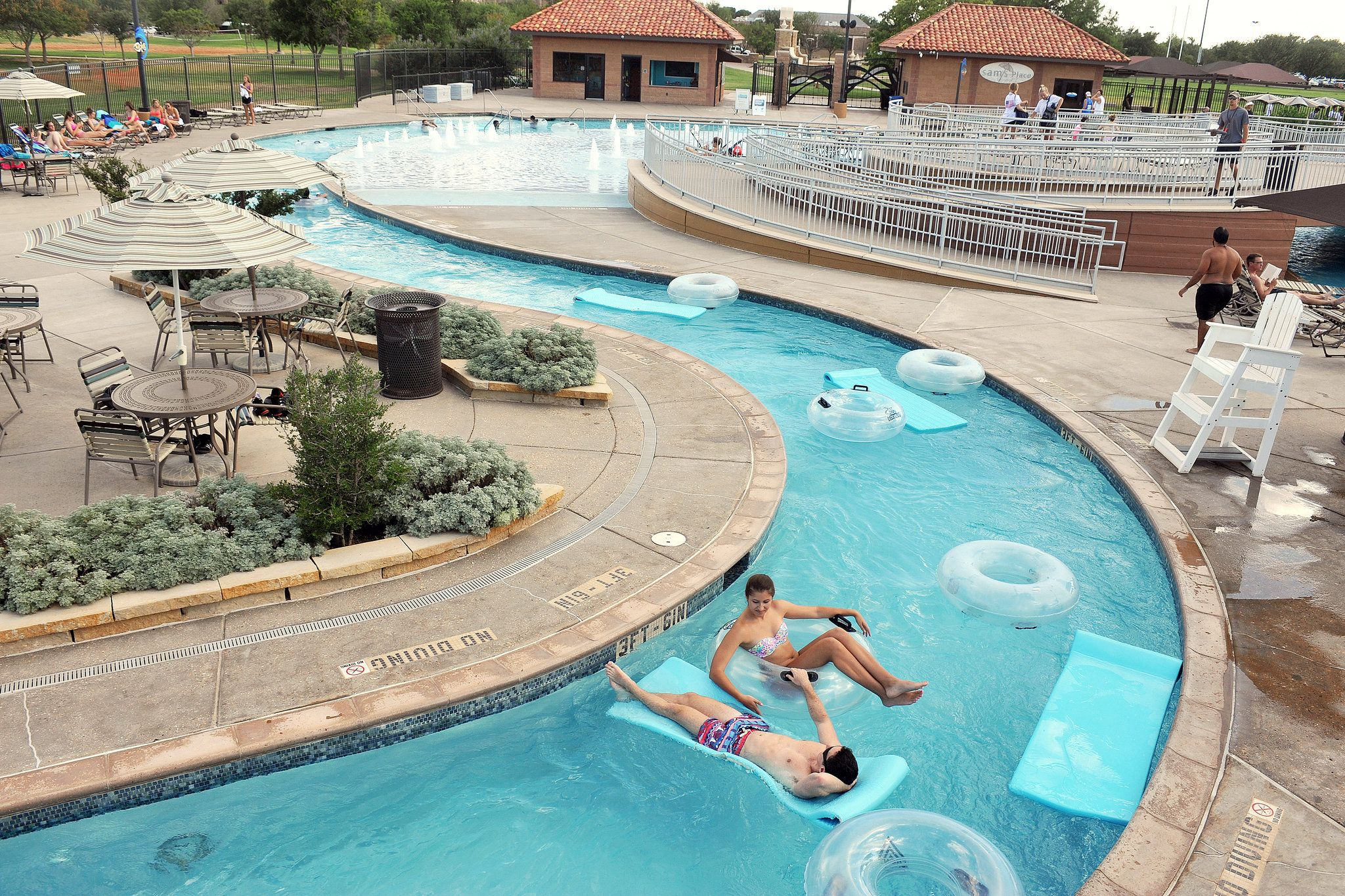 This List Of The Best College Pools Shows Top 50 Luxurious Aquatic Recreational Facilities From Around America Both Compeive And Leisure