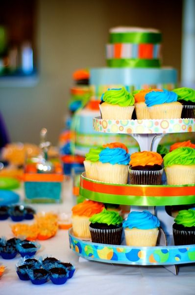 baby shower cupcakes....love the colors!