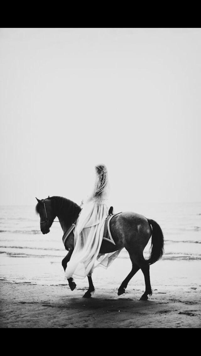 Iphone Wallpaper Lockscreen Horse Beach Black And White Horse Girl Photography Horse Love Horse Photography