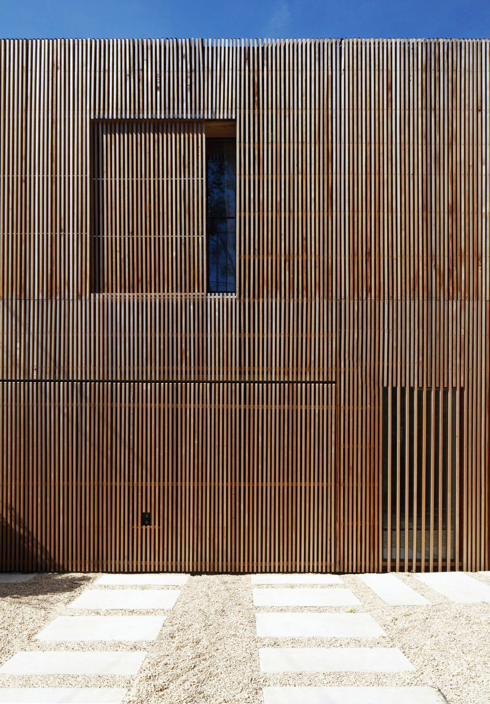 maison individuelle bardage bois claire voie par avenier. Black Bedroom Furniture Sets. Home Design Ideas