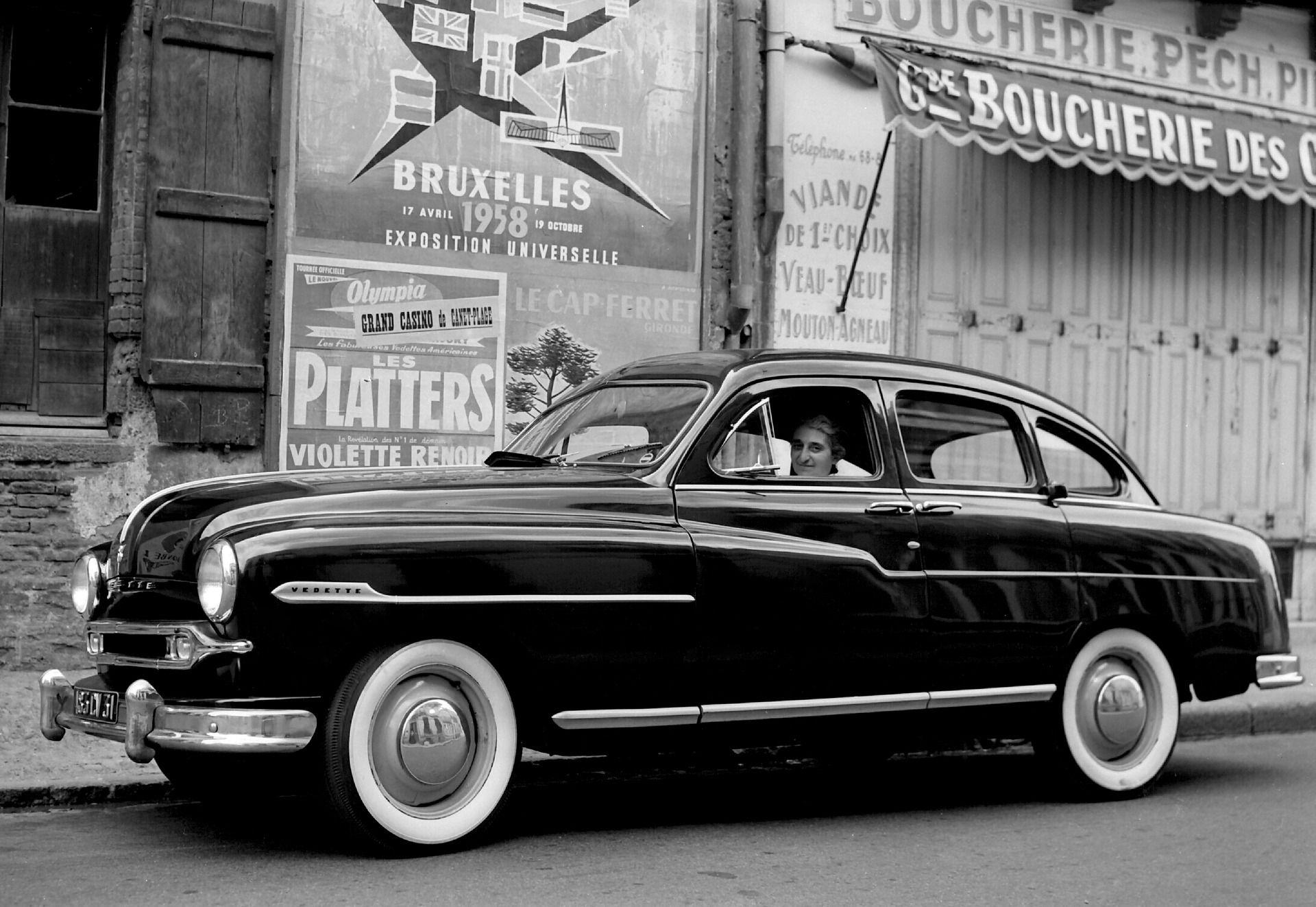 Ford vedette 4 door sedan 1952 54