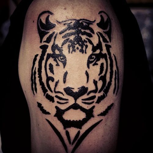 Tatuaje Tigre Tribal hermosas ideas tribales del tatuaje del tigre | tatuajes | pinterest