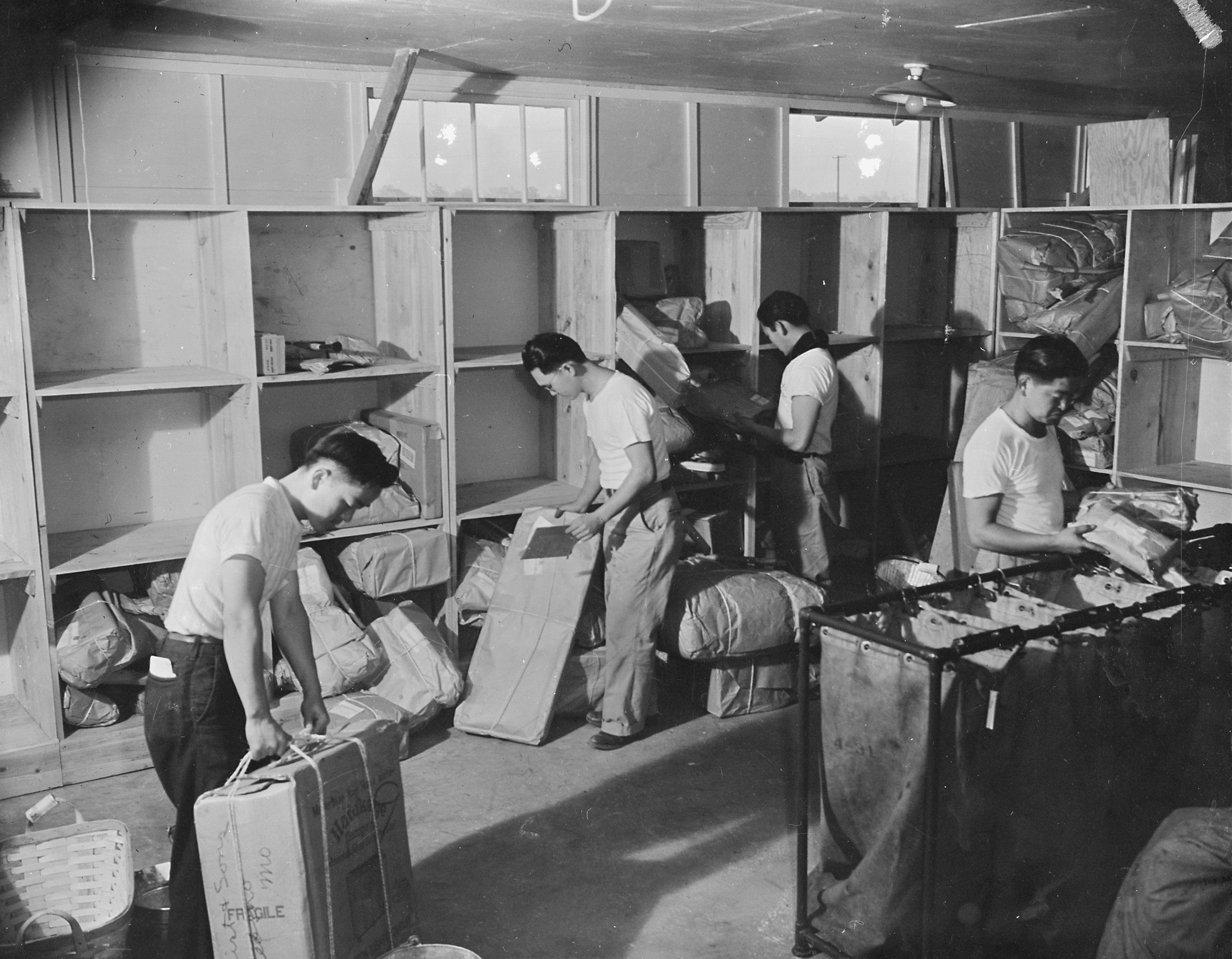 Inside Japanese American Internment Camps Japanese-Americans wor...