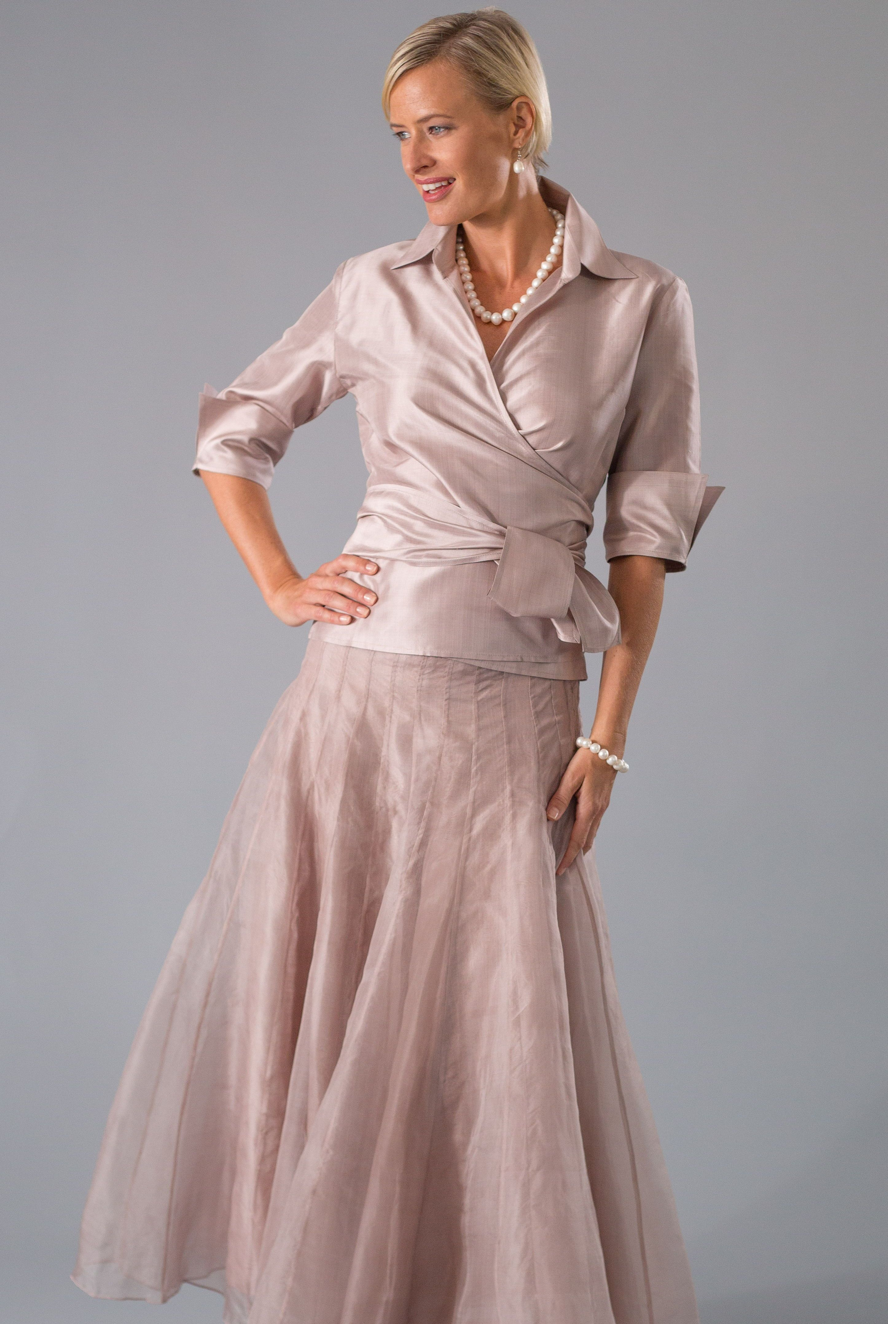 For the modern and elegant mother of the bride and mother