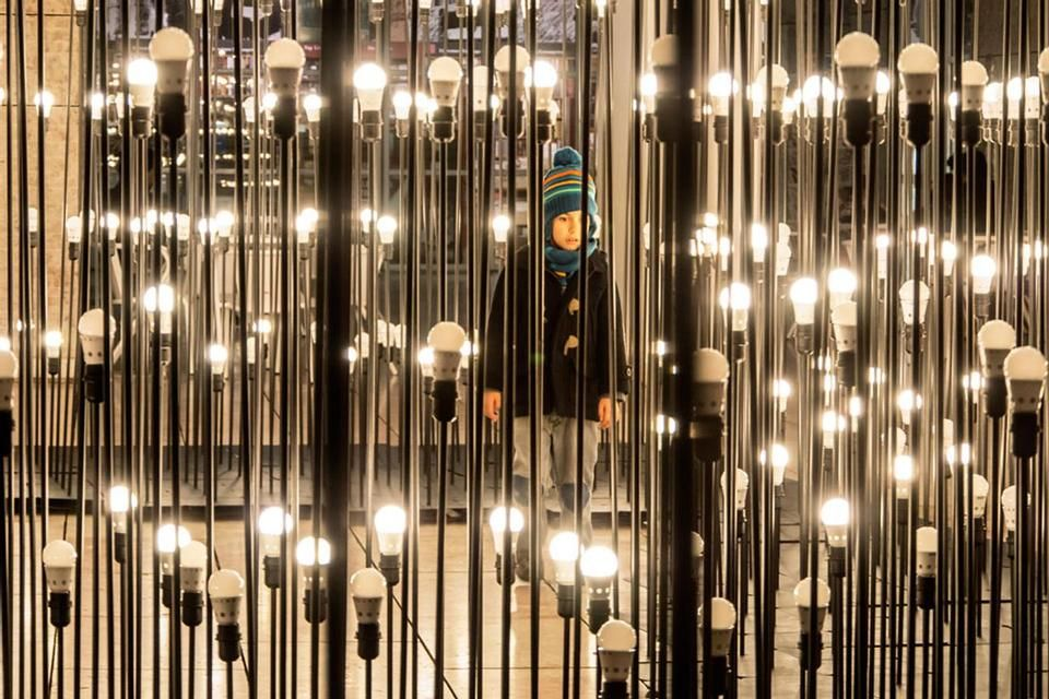 A maze of light in Lisbon, an alternative landscape created by young studio Like Architects for Ikea www.domusweb.it/en/news/like-architects-ledscape/