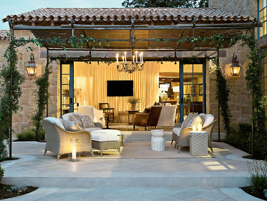 Amazing and Beautiful Outdoor Living Room Design