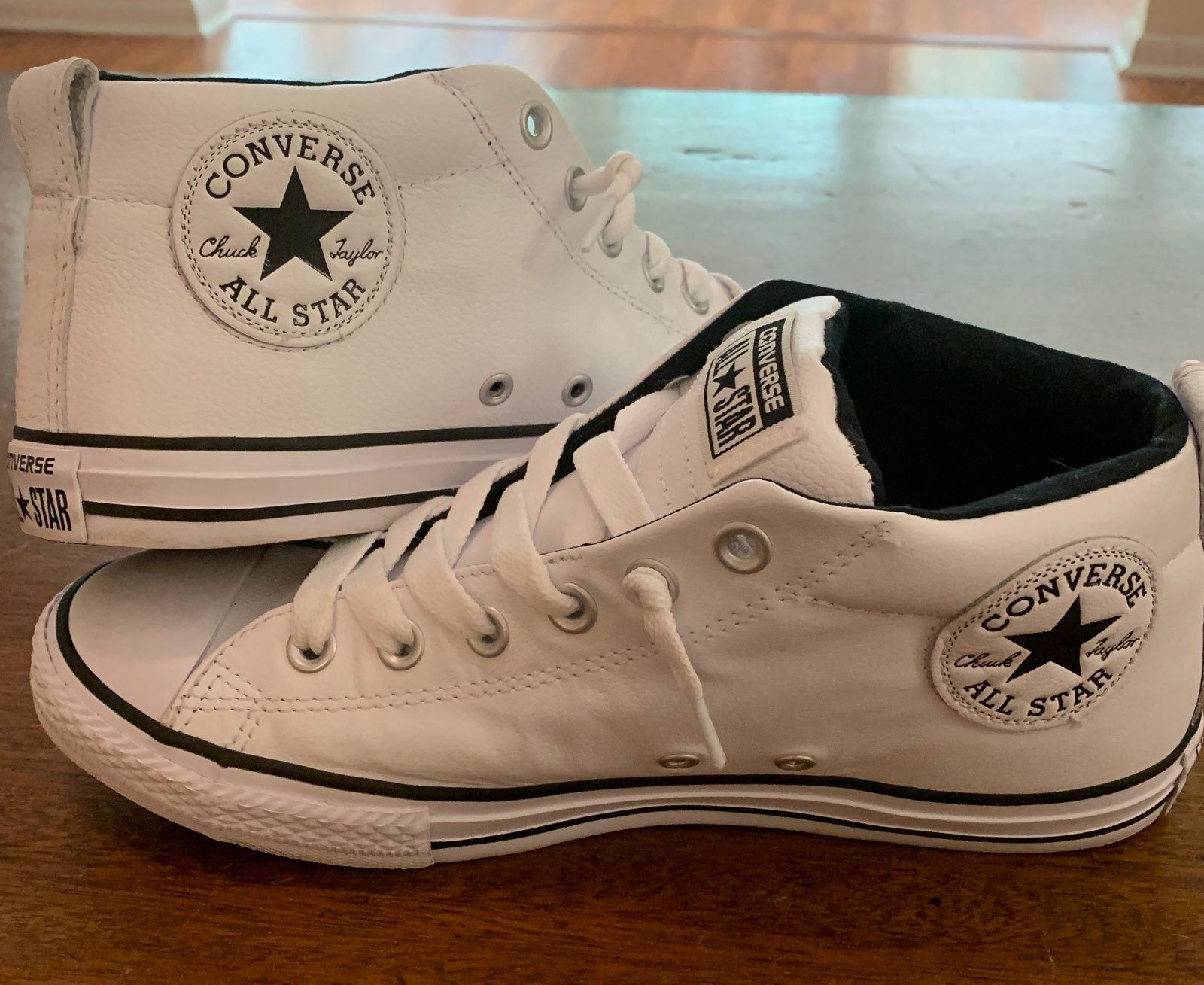 Converse, Sneakers fashion, Converse style