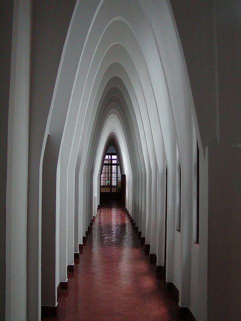 Arcs parabòlics by Oriol Gascón, via Flickr
