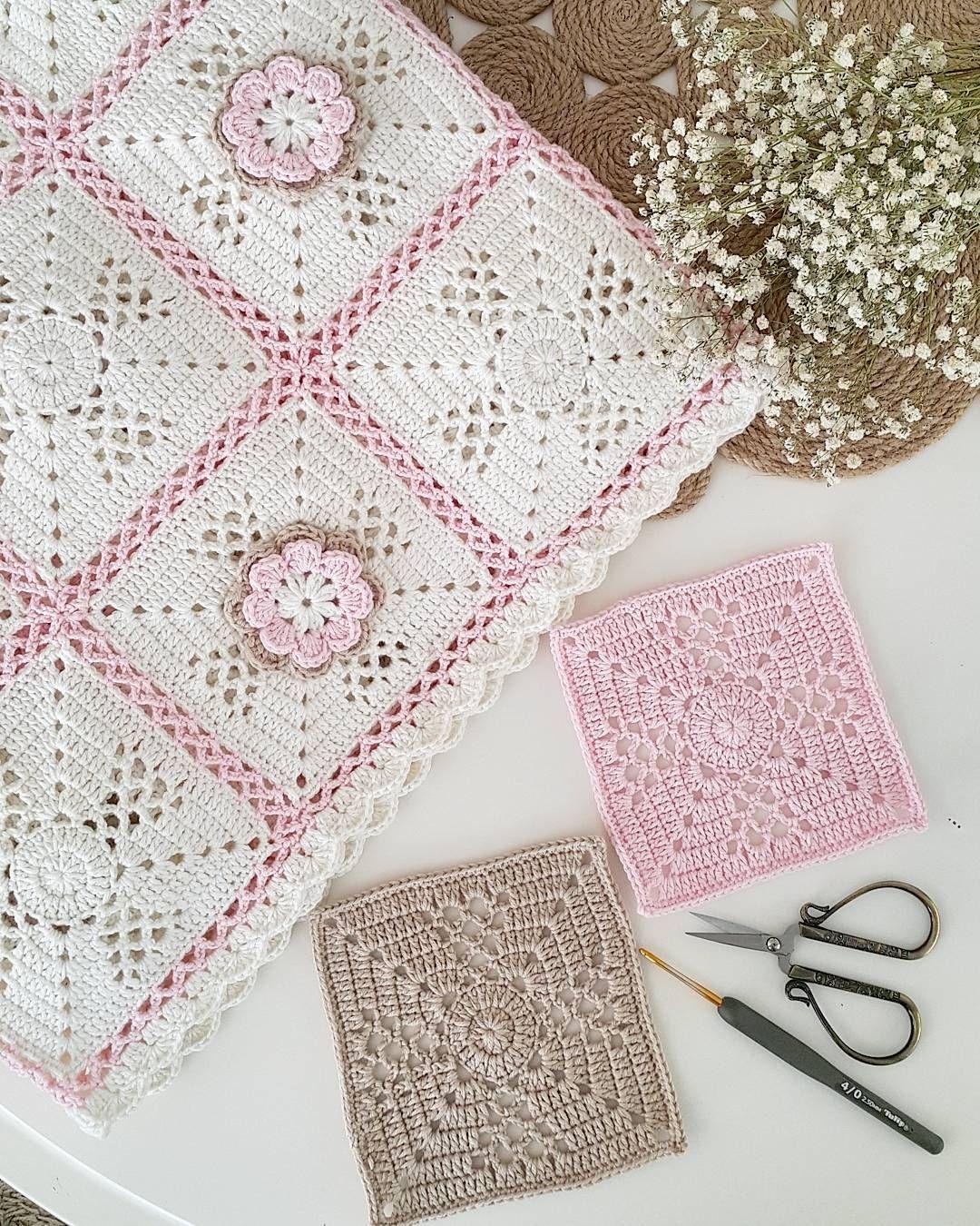 Bazi Renkler Pek Naif Pek Romantik Hele Kimilerinin Biraraya Geldiklerinde Yaydiklari Huzur Ve Rom Crochet Vest Pattern Easy Crochet Blanket Crochet Patterns