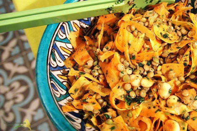 La flor del calabacín: De la huerta a la mesa: ensalada de zanahorias y lentejas