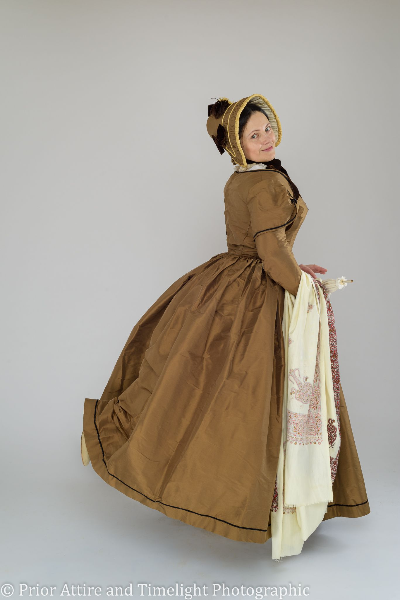 1840s day dress by Prior Attire. Construction and pattern