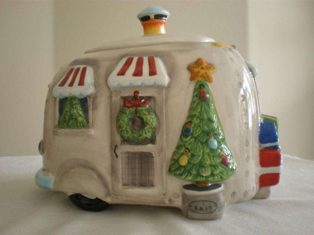 Up For Sale Is An Adorable Christmas Airstream Camper Trailer Cookie Jar In Very Good Condition Measures 9 X 6 Airstream Campers Airstream Rv Cookie Jars