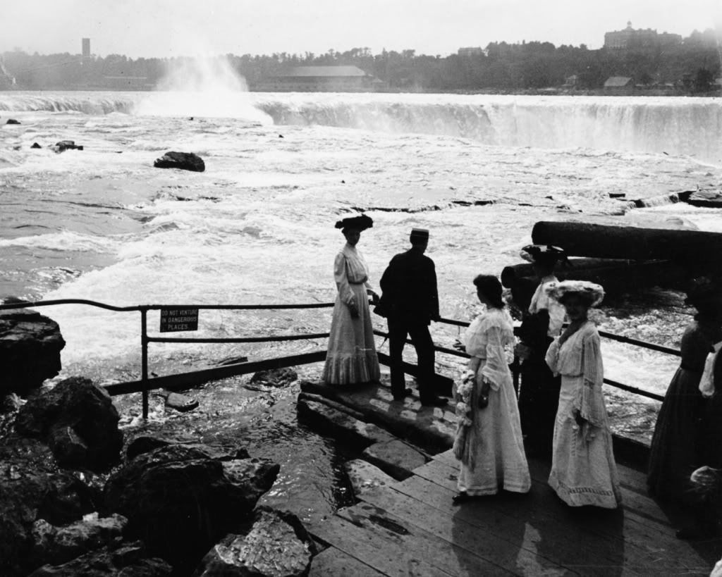 Niagara Falls Sign: Do Not Venture Into Dangerous Places 8x10 Reprint Old Photo