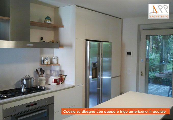 Risultati immagini per cucine con frigorifero americano ...
