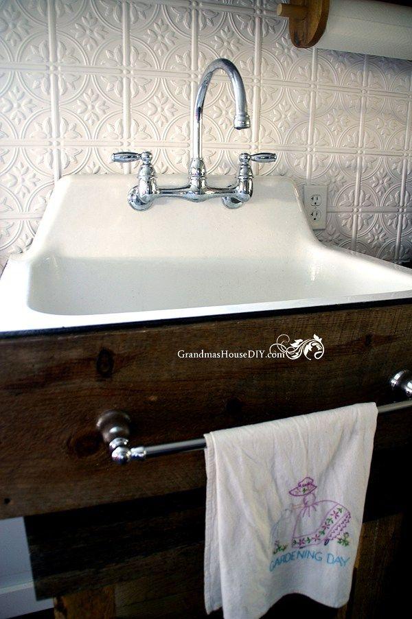 How to build a kitchen sink base @GrandmasHousDIY