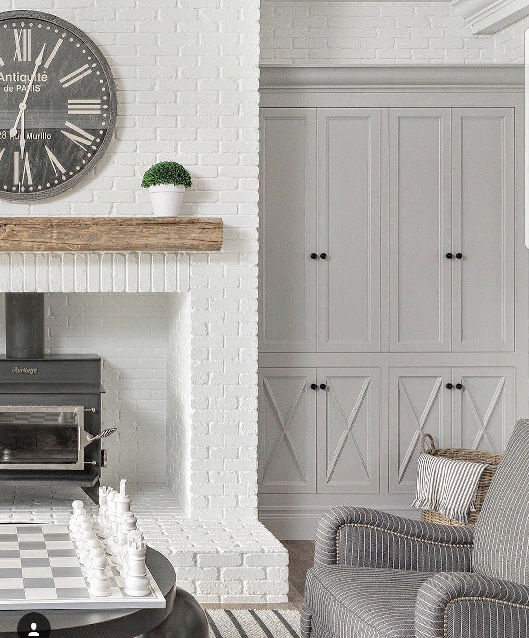 White Dove Trim And Brick Fireplace Bm Metropolitan Paint Colour Cabinetry Brick Fireplace White Brick Fireplace Fireplace Built Ins