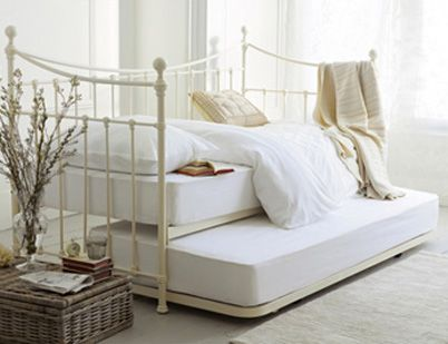 Laura Ashley Day Bed With Pull Out