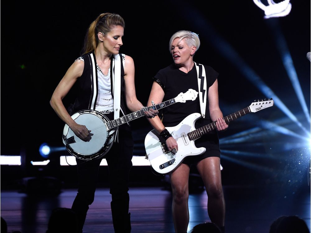 Review Dixie Chicks deliver an incredible and entertaining night in Calgary - The Province