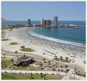 Las playas de la ciudad de Iquique son ideales para quienes aman los deportes náuticos, disfrutan del sol y la maravillosa arena blanca que las caracteriza.