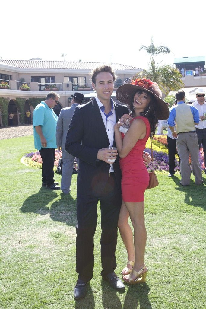 what to wear at a horse race track