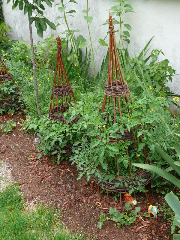 tuteur tomates potager pinterest jardins potager et jardin potager. Black Bedroom Furniture Sets. Home Design Ideas