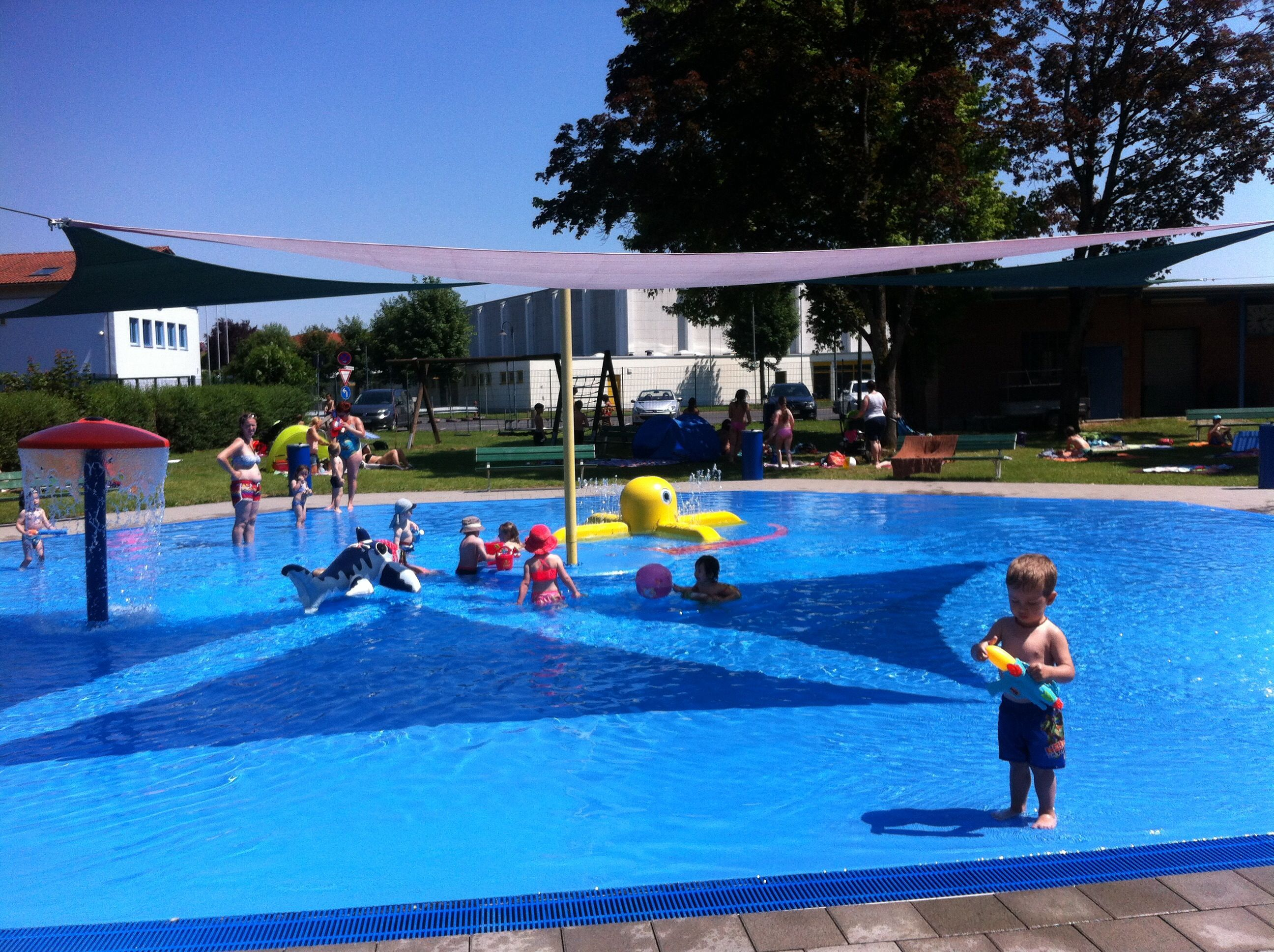 Becken Fur Die Kleinsten Im Schwimmbad Von Steinau An Der Strasse 2015 Steinau An Der Strasse Historische Fotos Schwimmbader