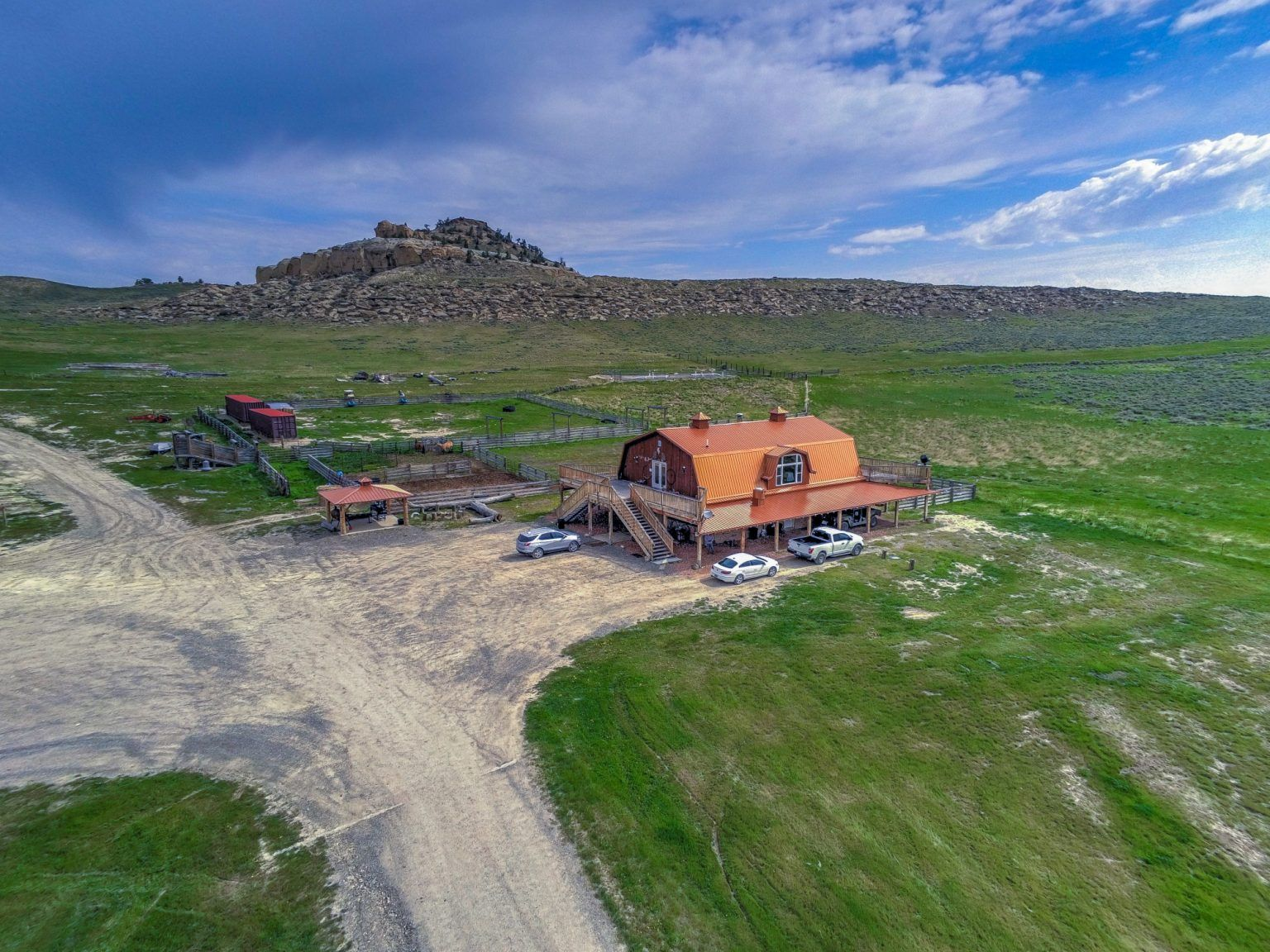 Kanye West S Ranch House In Wyoming In 2020 Kim Kardashian Kanye West Kim Kardashian And Kanye New Kanye