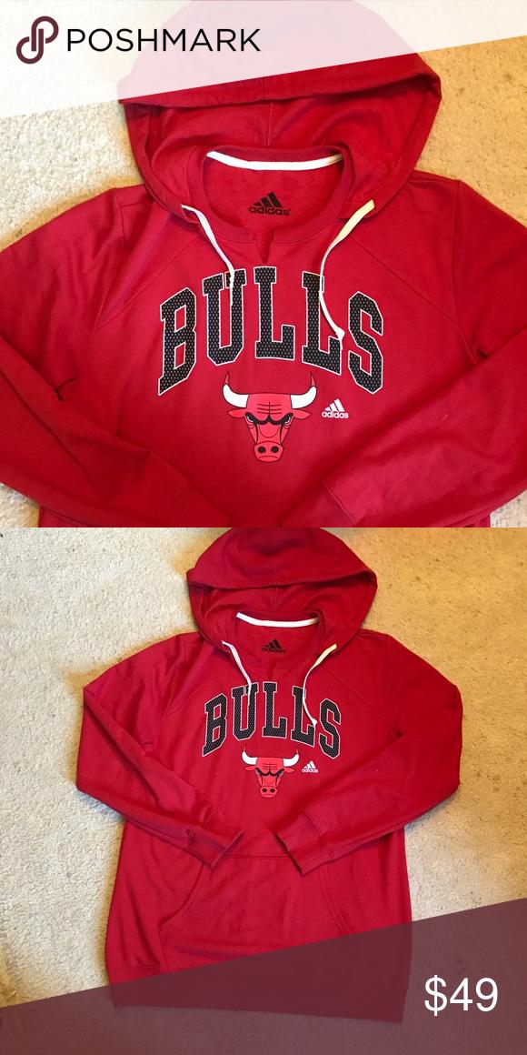 diseñador moverse Redada  NWOT!! Adidas Chicago Bulls Hoodie   Chicago bulls hoodie, Sweatshirt  shirt, Adidas shirt