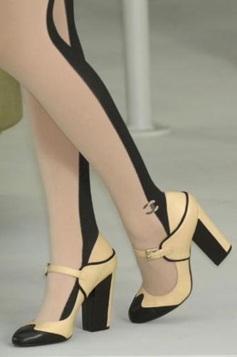 43dda3f6e Zapatos bicolor Chanel   Shoes   Fashion shoes, Shoes, Fashion