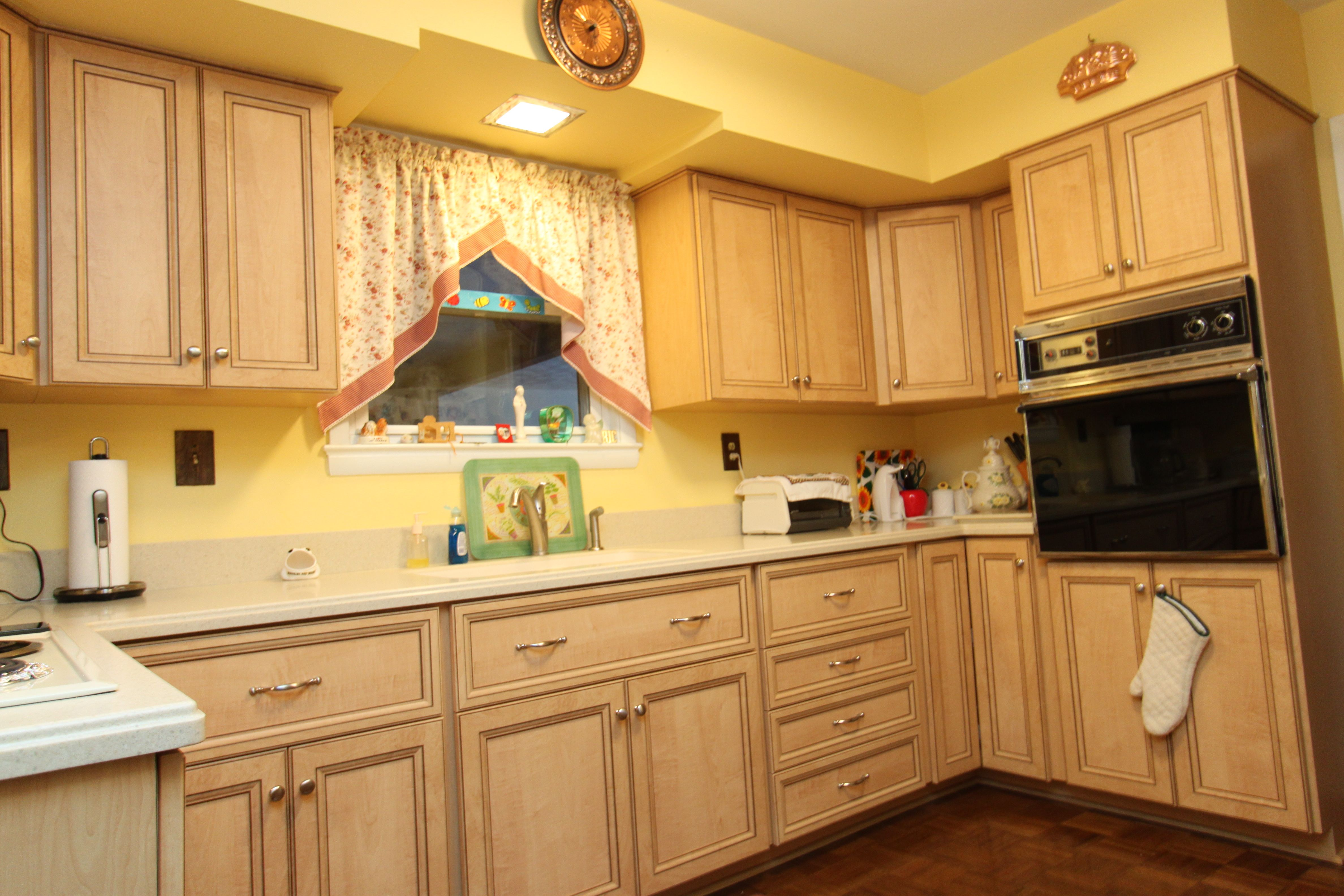 Light Maple Kitchen See The Before And Listen To What She Thinks About Her New Kitchen Here Www Youtube Co Refacing Kitchen Cabinets Kitchen Remodel Kitchen