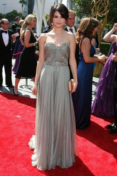 Selena gomez silver strapless prom dress creative arts emmy 39 s red carpet fancy dress - Silver red carpet dresses ...
