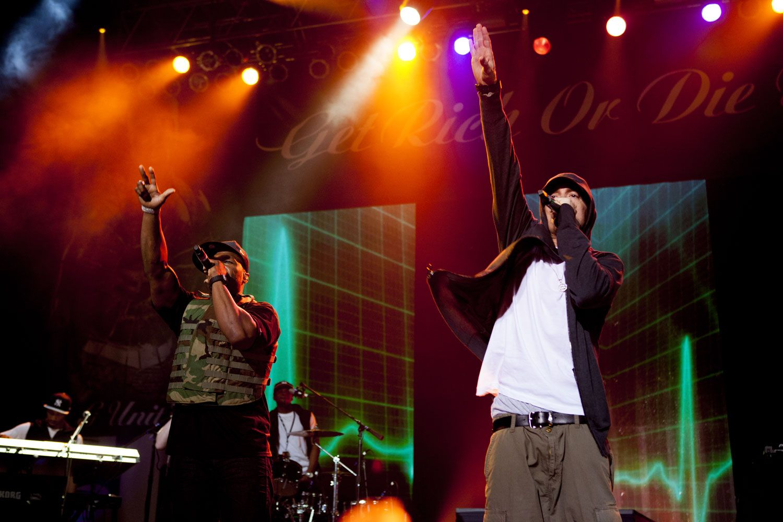 Eminem at SXSW.  Damn it to hell!  I knew I should've gone.  =(
