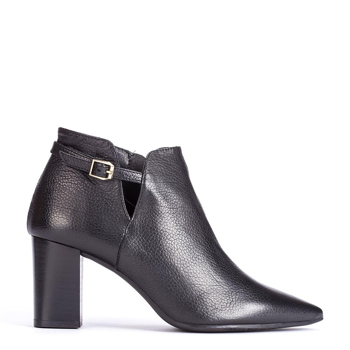 #zapatos #botín #tacón de la nueva colección #AW de #pedromiralles en color #negro #shoponline