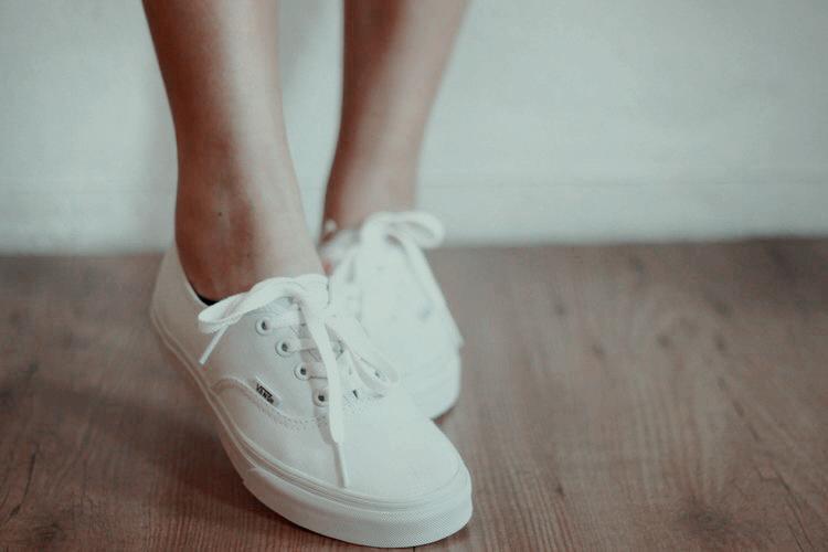 Pin By Katrina On Fashion Vans Classic White White Vans White Shoes