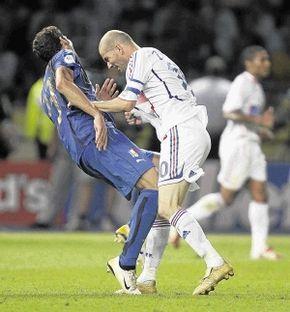 Sculpture Of Zidane Headbutt Ode To Defeat Soccer World Football Zinedine Zidane
