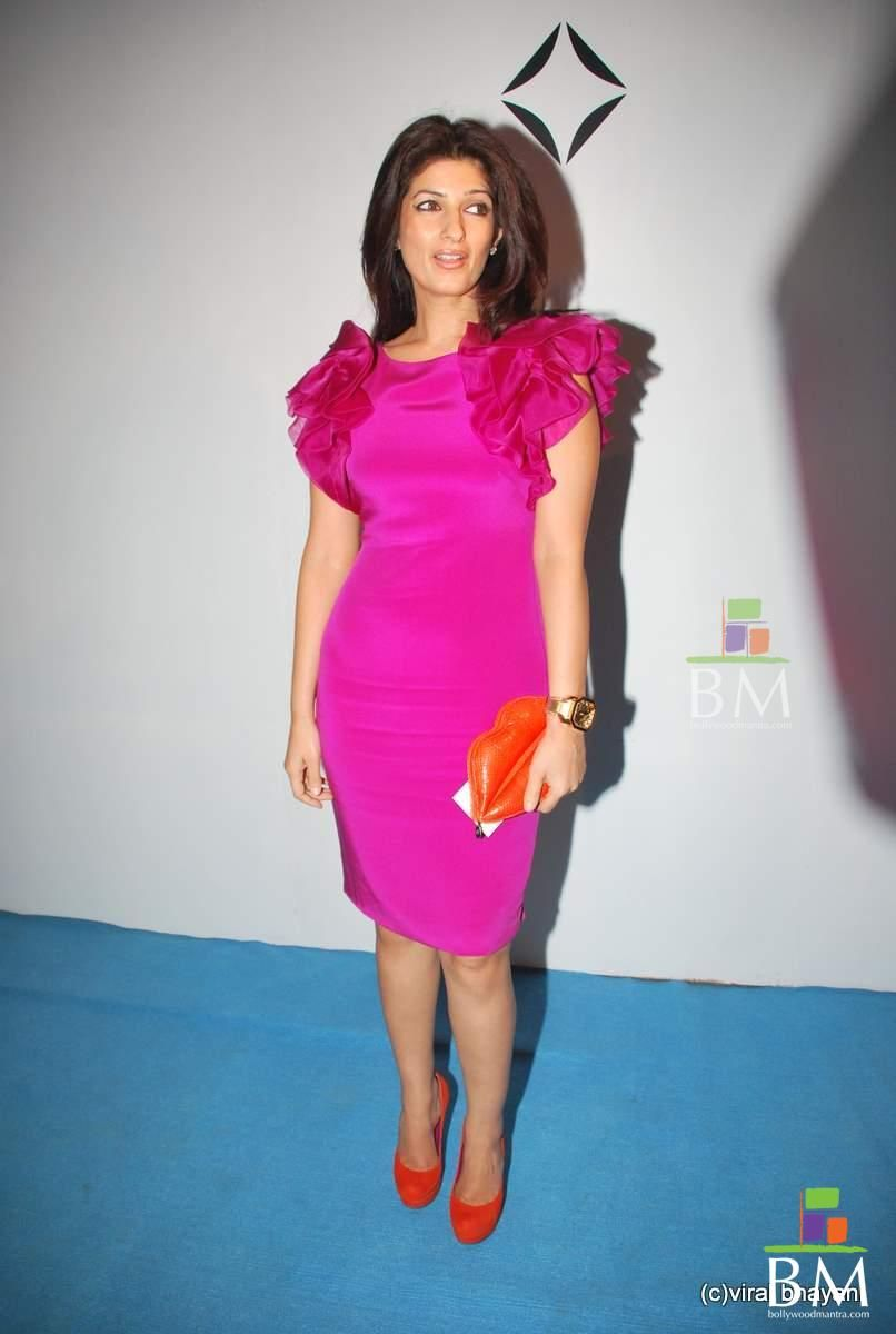 twinkle khanna and akshay kumar daughter